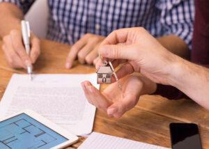 Як переписати квартиру на дитину? Поради юриста